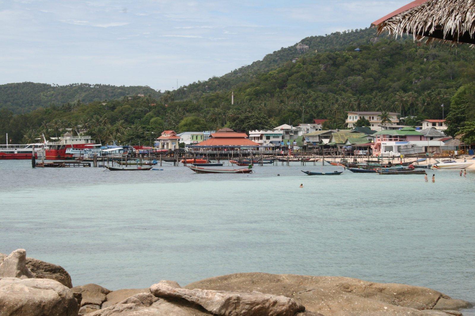 Uitzicht op de pier in Koh Tao