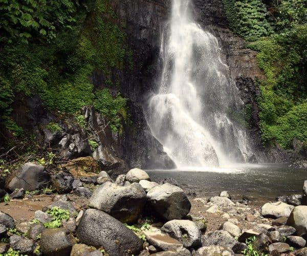 Ontdek de 25 mooiste watervallen op Bali (jouw perfecte foto locaties)