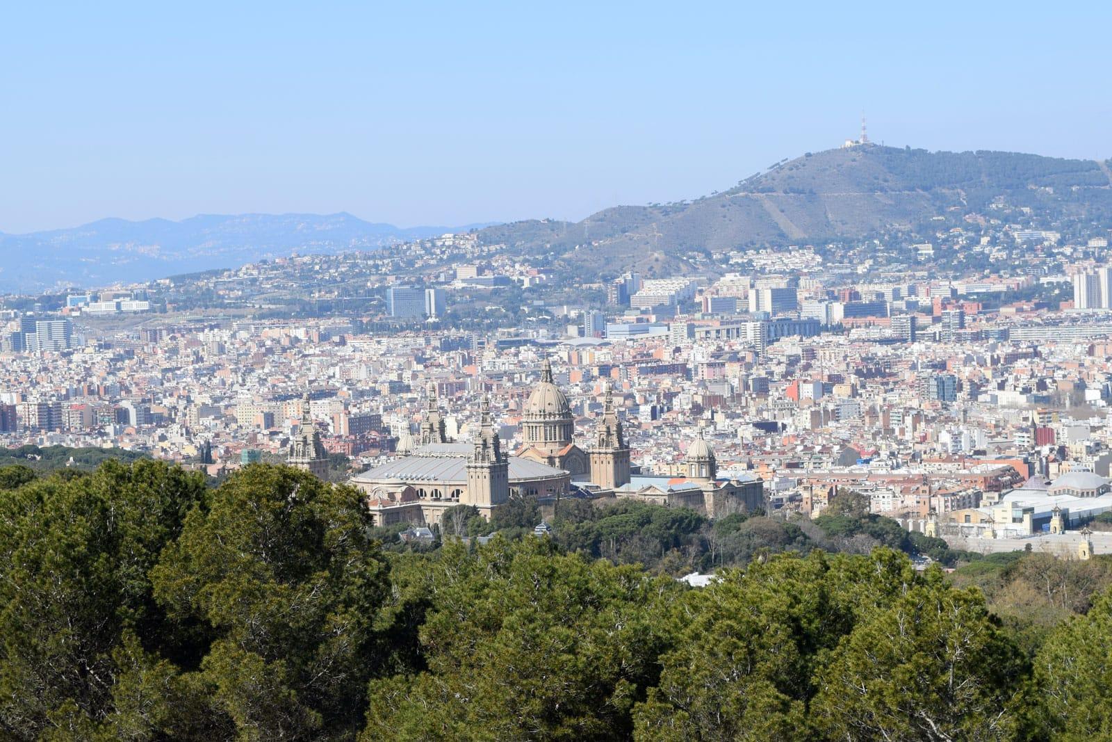 het uitzicht vanaf Montjuïc Castle op Palau Nacional