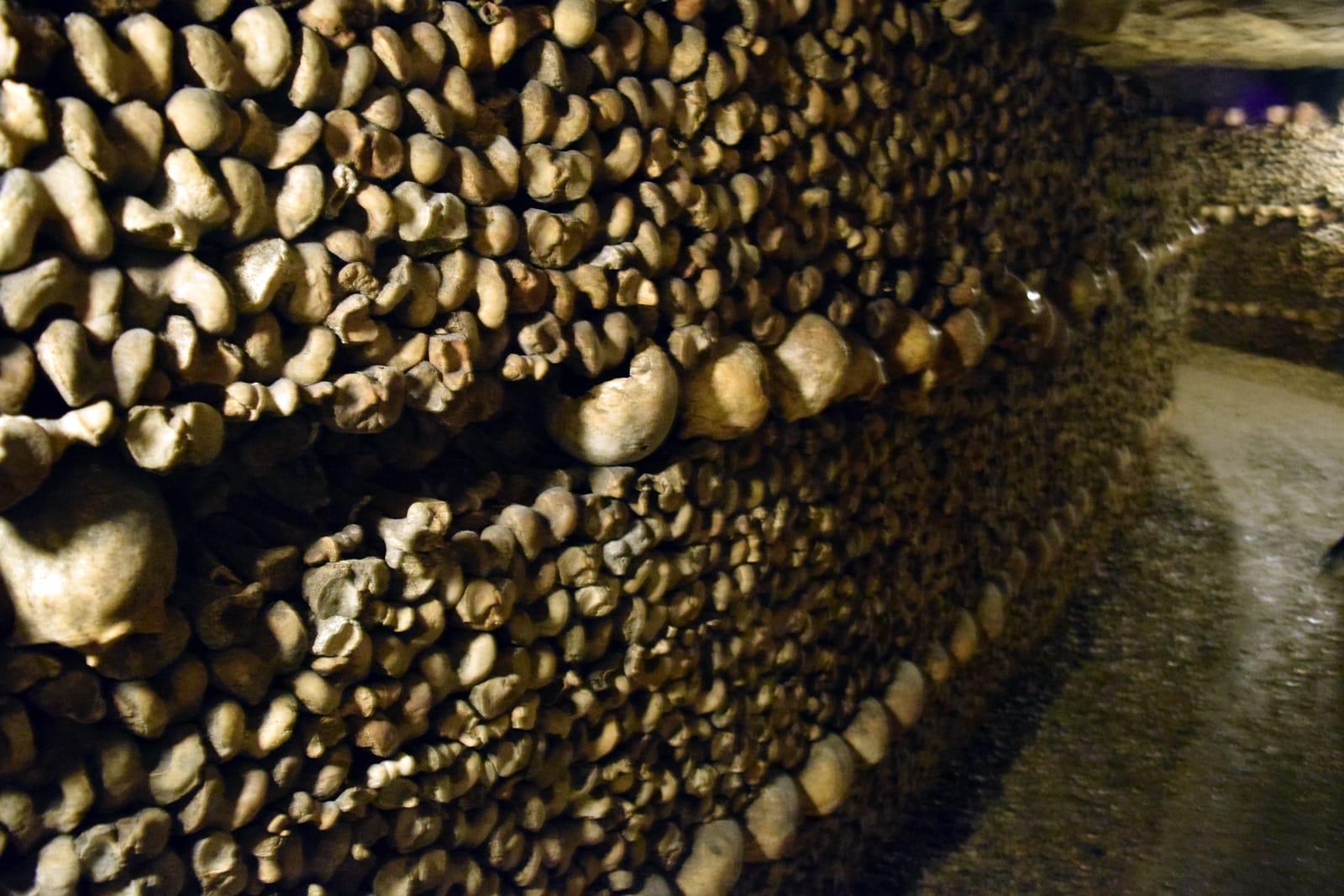 De wanden van de Catacomben