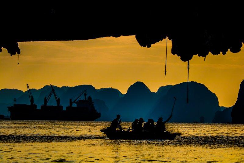 Ha Long Bay, Vietnam (activiteiten, uitgaan, beste reistijd)