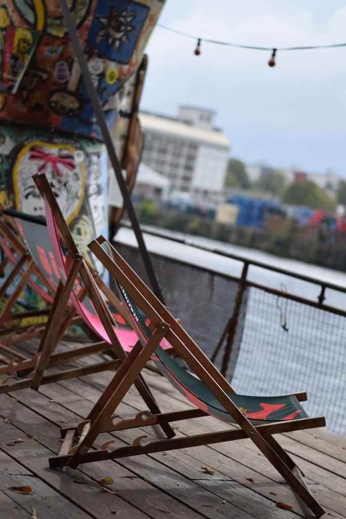 Stadstrand van Berlijn, de YAAM in de  Friedrichshain
