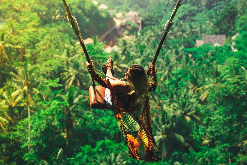 8 mooiste swings van Bali - schommel over rijstvelden