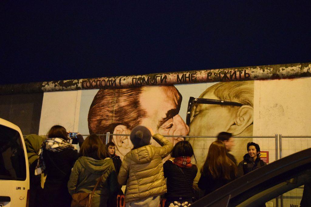 Berlijnse muur vanuit Amsterdam